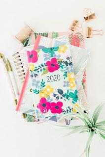 Pretty feminine 2020 diary, ideas for new year resolutions