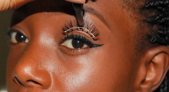 Beauté, astuce, femme, maquillage, noire, coiffure, cheveux, Eyebrow, charme, tissage,colle, cils, LEUKESENEGAL, Dakar, Sénégal, Afrique
