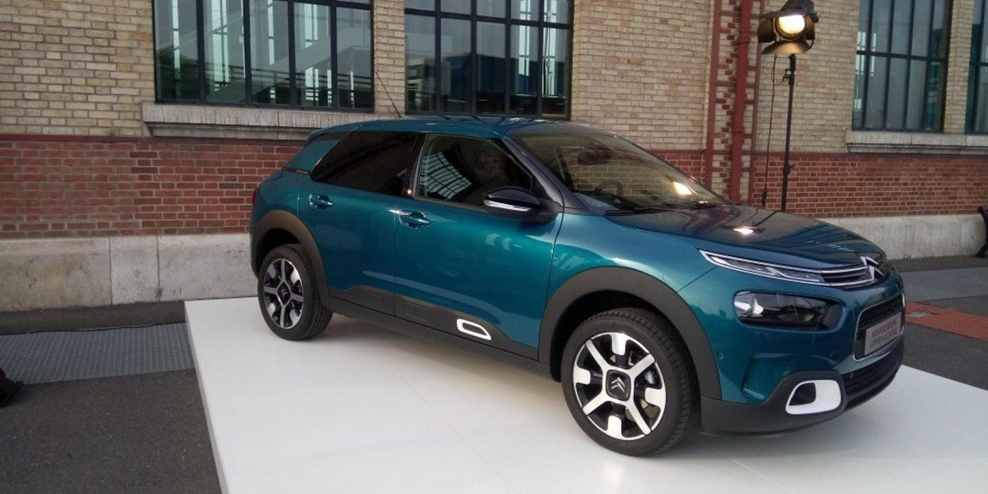 citroen c4 cactus restyling presentaci n. Black Bedroom Furniture Sets. Home Design Ideas