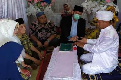 Sebelum Ijab Qabul, Penghulu Semprotkan Hand Sanitizer