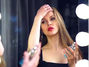 5 Tips Aman Berdandan Bagi Wajah yang Mudah Berkeringat