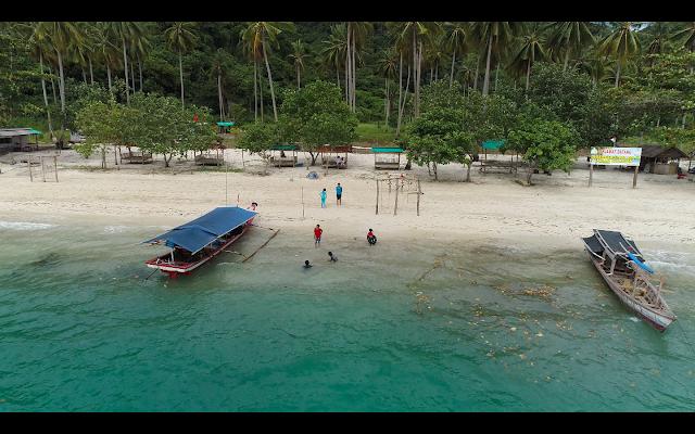 Kelapa 60 Beach, Kelagian Island, Lampung, Indonesia