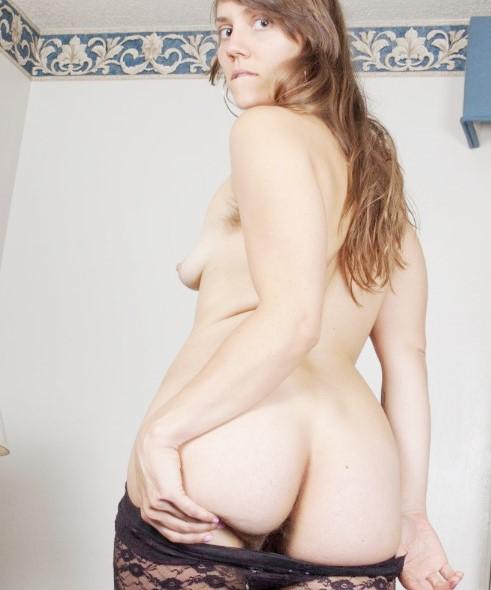 ВОЛОСАТАЯ ПИСЬКА В ЛОСИНАХ www.eroticaxxx.ru: (Голые письки, Волосатые письки, Письки крупным планом)