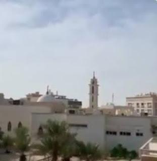 Azan Shallu fii buyutikum shalatlah dirumah kalian adalah bentuk menjaga kesucian Masjid ditengah wabah