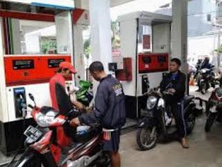 Hukum mengisi bensin motor pinjaman
