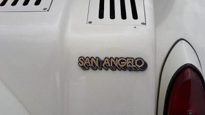 Este MP Lafer foi adquirido na San Angelo, uma loja de automóveis de São Paulo que erra especializada em veículos esportivos especiais.