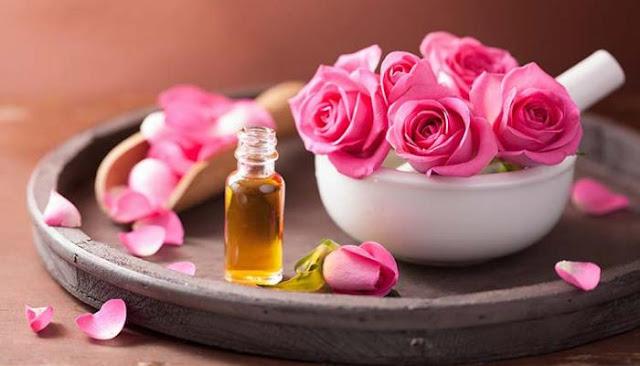 ما لا تعرفه عن الفوائد الصحية لزيت الورد