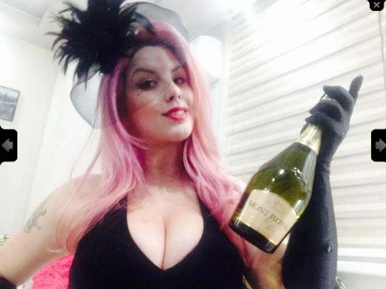 Miss Lola Deville Model Skype