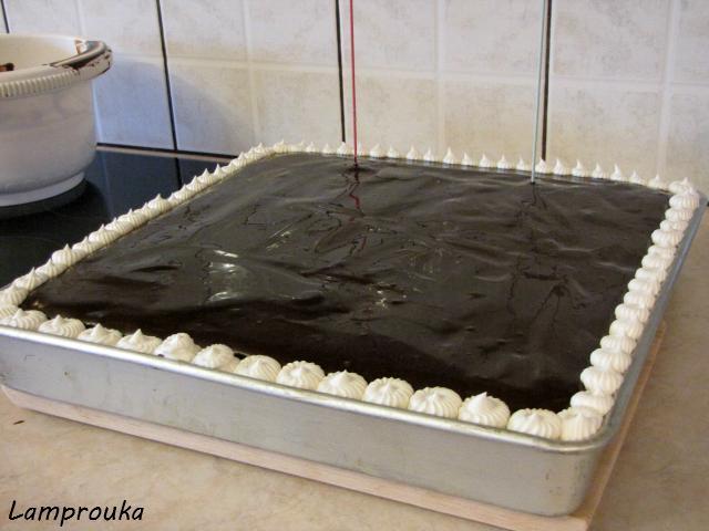 Διακόσμηση τούρτας anti-gravity.