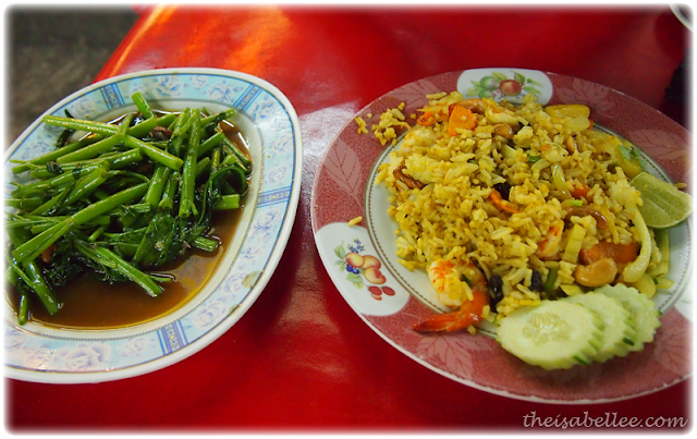 Fried rice and vegetables at Lung Ja Seafood, Hua Hin