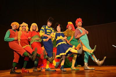 Resultado de imagem para projeto Quatro x Quatro Teatro da Princesa do Sertão