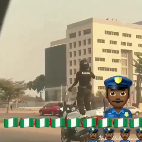 Video: Nigerian policeman Aminu dances while standing on moving bike