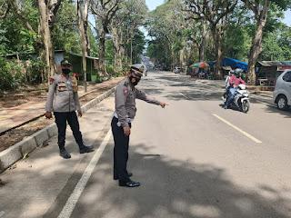 Kanit Laka Satlantas Polres Gowa Tinjau Daerah Rawan Laka di Kelurahan Malino