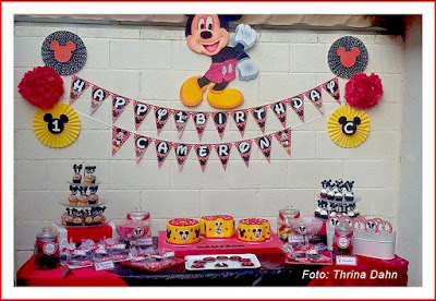 sweet table mickey mouse