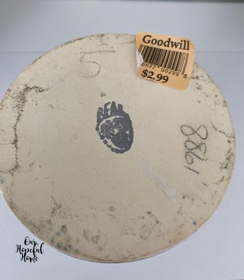 Bear Paw Pottery makers mark Wisconsin