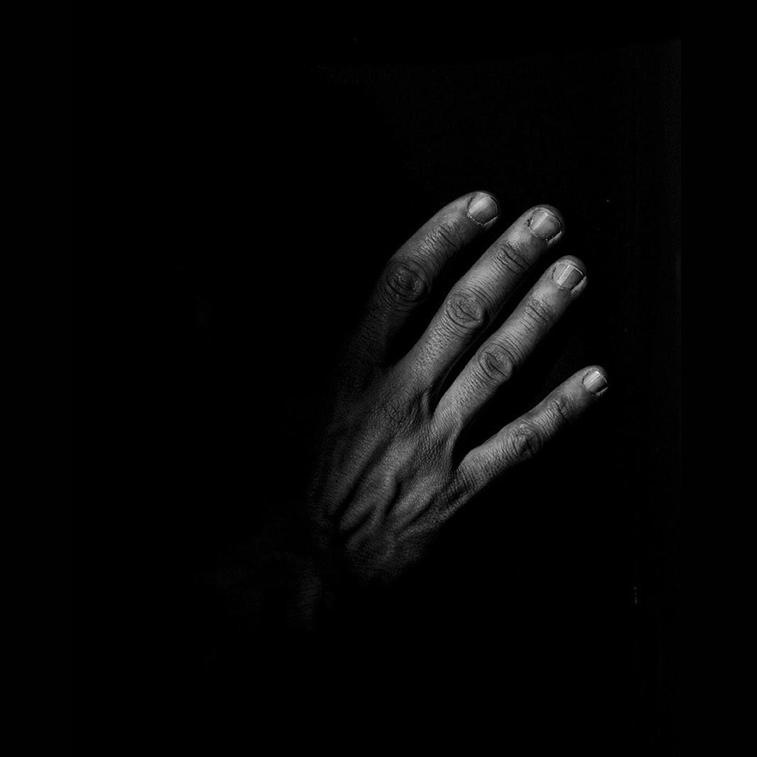 TouchinG, by Francesco Francaviglia