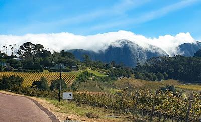 Constantia Glen, Mountains