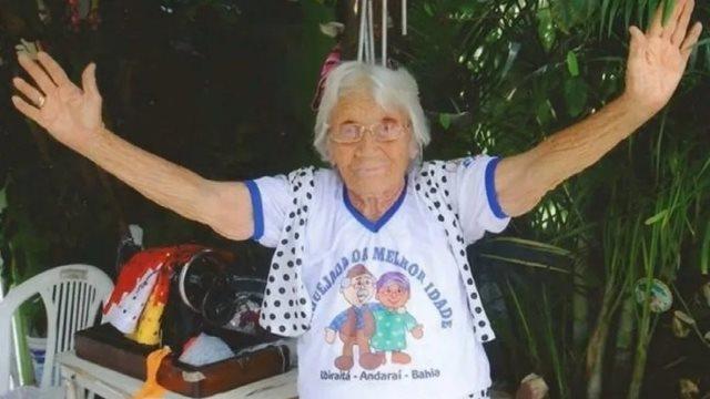 Morre Mãe Isaura aos 108 anos, uma das parteiras mais velha da Chapada Diamantina