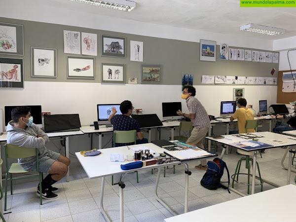 Alumnos de la escuela Manolo Blahnik hacen prácticas en Patrimonio de Santa Cruz de La Palma
