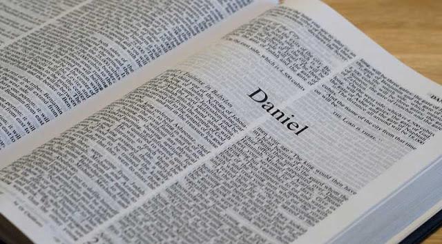 Daniel 1:1-7 — Estudo Teológico