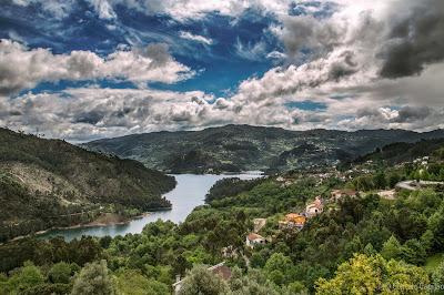 https://www.facebook.com/PortugalFotografia/photos/o.124331758934/1821139441446268/?type=3&permPage=1