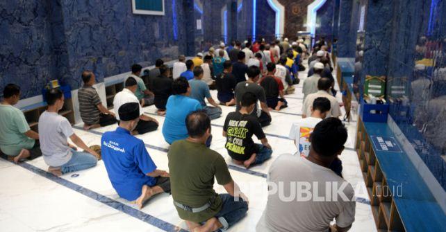 DMI Persilakan Masjid Dibuka untuk Shalat Fardhu Berjamaah dan Jumat