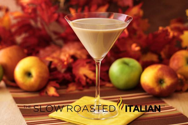 caramel apple pie martini in a martini glass