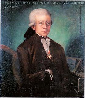 """El llamado """"Mozart de Bolonia"""" fue copiado en 1777 en Salzburgo (Austria) por un pintor ahora desconocido de un original perdido para el Padre Martini en Bolonia (Italia), que lo había encargado para su galería de compositores. Hoy se exhibe en el Museo Internazionale e Biblioteca della Musica de Bologna, en Italia. Leopold Mozart, el padre de W. A. Mozart, escribió sobre este retrato: """"Tiene poco valor como obra de arte, pero en lo que respecta a la semejanza, puedo asegurarle que es perfecto"""". (Texto original: """"Malerisch hat es wenig wert, aber was die Ähnlichkeit anbetrifft, así versichere Iich , daß es ihm ganz und gar ähnlich sieht."""")"""