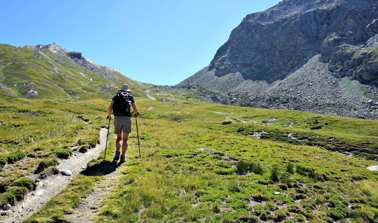 Approaching Col d'Urine