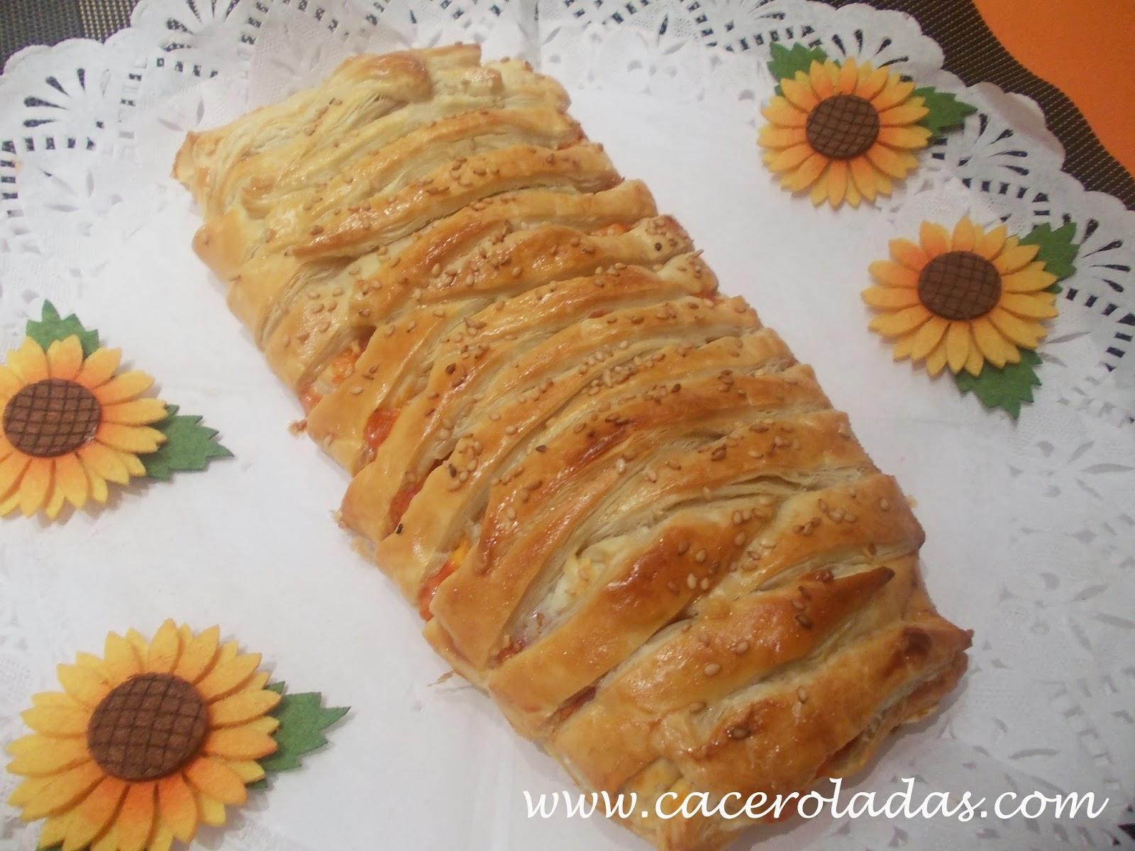Trenza de hojaldre con jamón, queso y champiñón