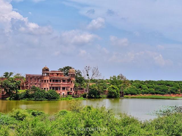 Van Vihar Hunting Lodge