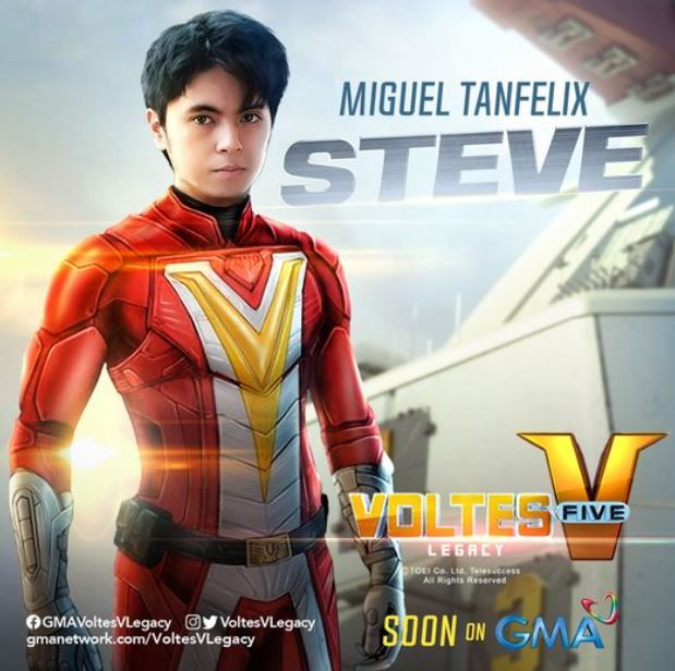 Miguel Tanfelix as Steve Armstrong