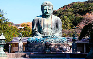 Buda de kamakura en el templo
