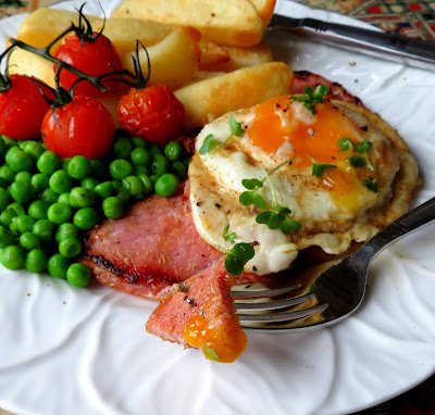 Gammon Steak, Egg & Chips