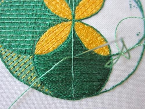 Lyn s needlecase bayeux stitch