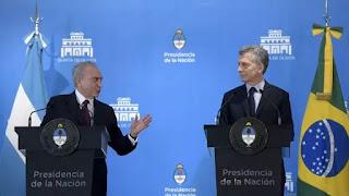 El presidente Michel Temer y su par Mauricio Macri en la Quinta de Olivos en Buenos Aires. (AFP)