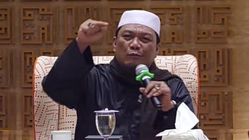 Sebut PPKM Strategi Komunis, Yahya Waloni: Jangan Taati Perintah Orang Kafir