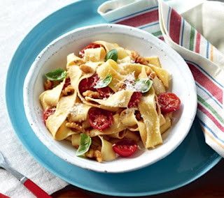 pasta with fresh tomato and walnuts recipe