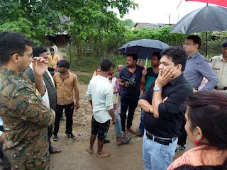 बालाघाट कलेक्टर, एसपी ने बाढ़ प्रभावित ग्राम कुम्हारी का किया भ्रमण