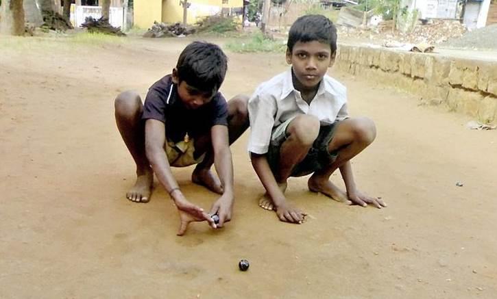 Permainan Tradisional Kelereng atau Gundu