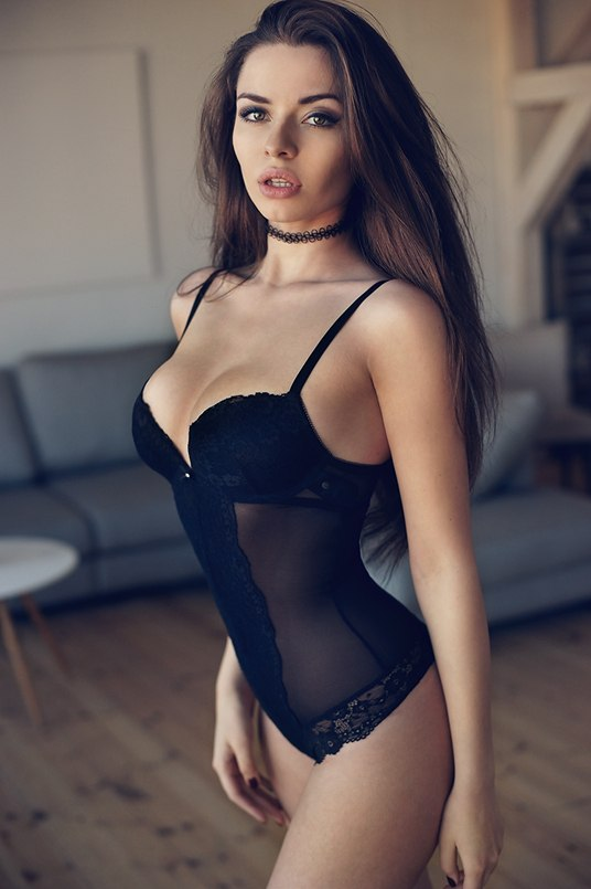 Sexy Hot Nude Brunettes