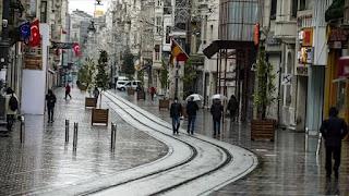 مسؤول تركي يحذر : قد نعود لحظر التجول