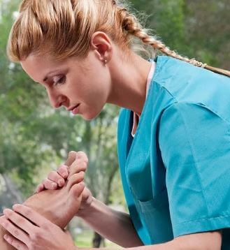 أفضل المهارات المطلوبة لتصبح أخصائي علاج طبيعي