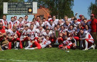 FÚTBOL AMERICANO - Los Helsinki Roosters alzan la primera Northern European Football League