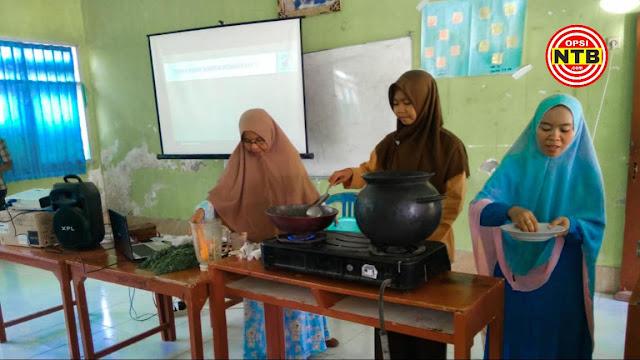 SMA Al-Mukhtariyah Mamben Ajarkan Siswa Membuat Obat Herbal