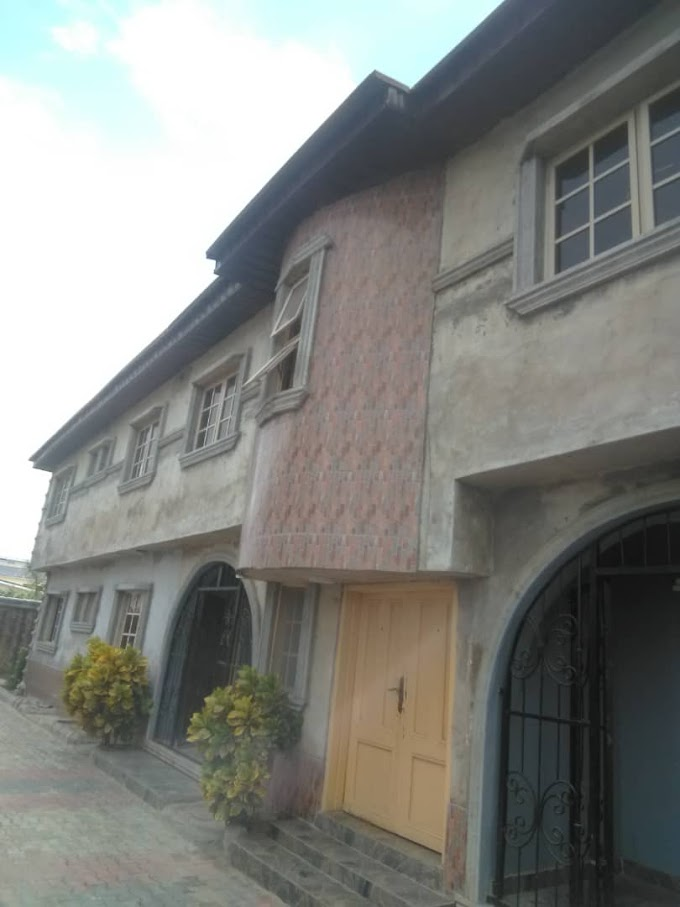 To let: 4bedroom flat apartment exclusively built behind General Paint,  Ajah.