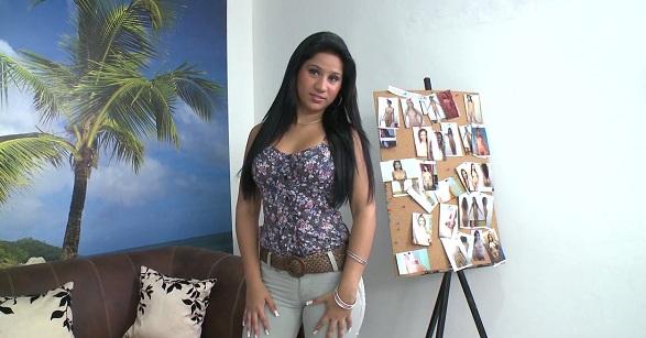 VER Andrea Mi Primer Porno ONLINE freezone-pelisonline