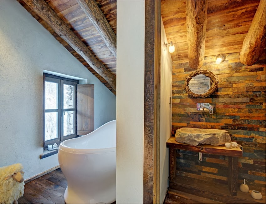 Zachwycająca drewniana chatka w Alpach, wystrój wnętrz, wnętrza, urządzanie domu, dekoracje wnętrz, aranżacja wnętrz, inspiracje wnętrz,interior design , dom i wnętrze, aranżacja mieszkania, modne wnętrza, styl rustykalny, styl klsyczny, drewniany dom, dom w górach, górska chata, łazienka