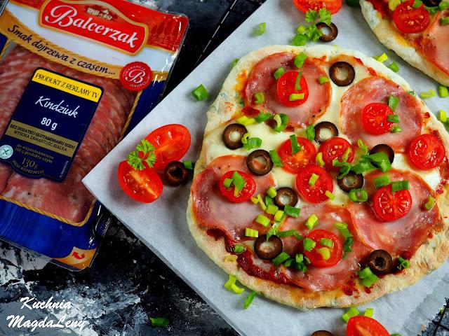 Pizza z patelni z kindziukiem
