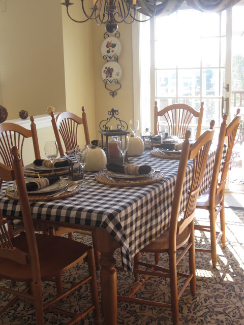 Farmhouse Country Table Set for Fall